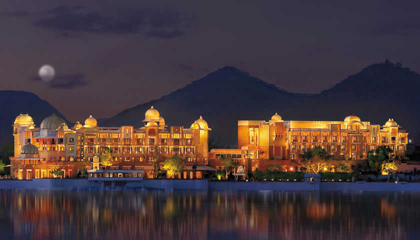 Lake Pichola hotel night
